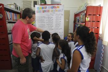 Em Vitória, bibliotecários e professores trabalham de forma integrada como forma de levar mais conhecimentos para os alunos (Foto: Douglas Schneider)