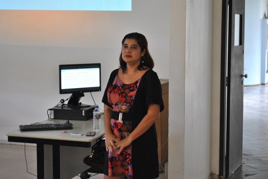 Raquel Vilela propõe um trabalho conjunto entre professor e bibliotecário