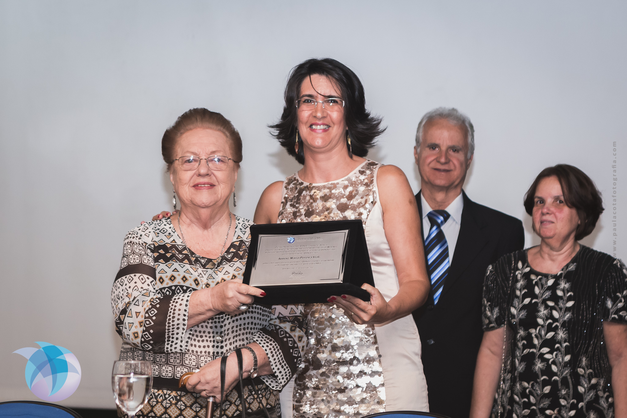 Annaiz Maria Pereira Vial e Mariza Martins Coelho, a primeira e a atual presidentes do CRB-6 (Foto: Paula Cota)