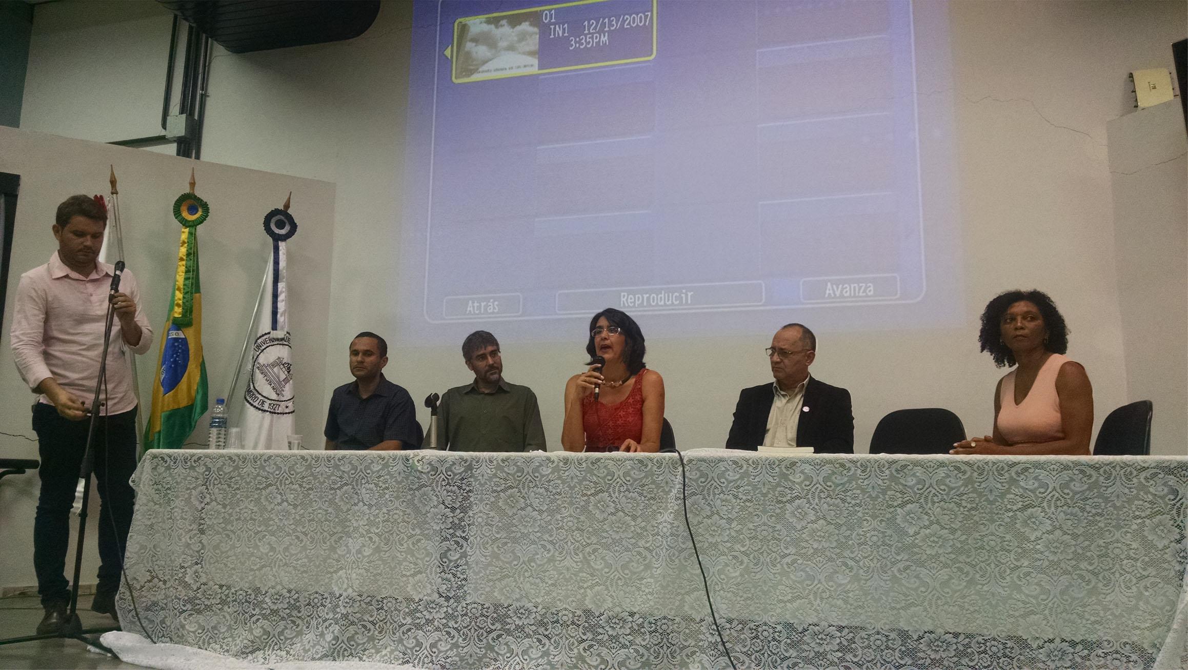 Autoridades participam do seminário em Belo Horizonte (Foto: Fabiana Senna)